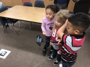 Students at Vista Elementary Explore Google Expeditions