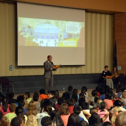 Photo of Lieutenant Governor addressing Beehive Elementary students