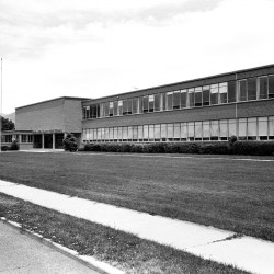 Photo of Evergreen Jr. High from 1976