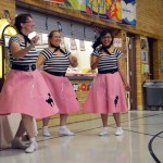 Photo of Lake Ridge Elementary lunch workers dressed in 50s clothing