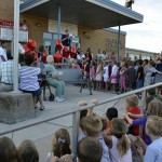 Photo of Ctrestview students gathered to dedicate new bench