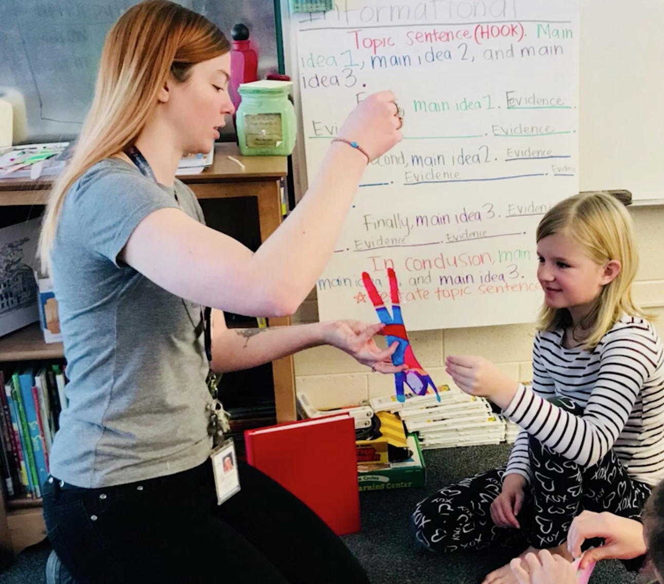 Morningside 3rd grade teacher receives UEA Excellence in Teaching Award